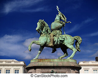 Brussels medieval crusader statue. - Statue of the hero...