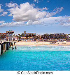 Huntington beach Surf City USA pier with lifeguard tower -...