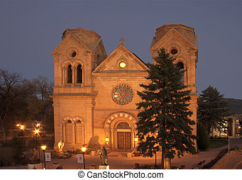 Cathedral Basilica of St-Francis in downtown Santa Fe, New...