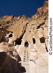 Bandelier New Mexico Cliff Dwellings - Cave Dwellings at...