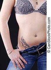 mulher, mostrando, tatuagem