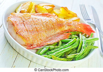 fried fish, potato and green beans