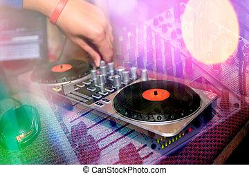 DJ, konsol,  mixinq