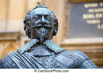 Statue of Earl of Pembroke. Oxford, UK - Statue of William...