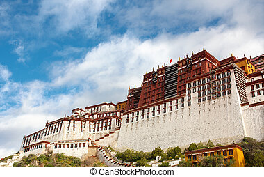 The Potala palace in the morning sun, Lhasa, Tibet