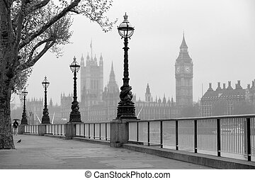Big Ben and Houses of Parliament, black and white photo -...
