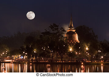 Full moon night - Illuminated temple at the Sukhothai...