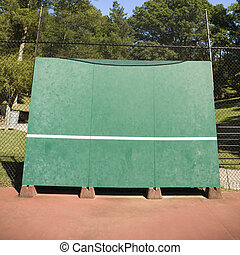 Tennis backboard. - Tennis backboard for single practice in...
