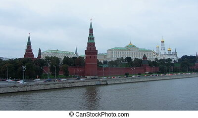 Moscow Kremlin and ships on river - from day to night zoom timelapse