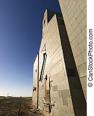 Agricultural structure. - Abandoned grain elevator.