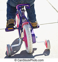 niña, equitación, bicicleta