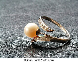 ring with pearl