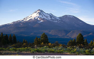 Dramatic Sunrise Light Hits Mount Shasta Cascade Range Ca -...