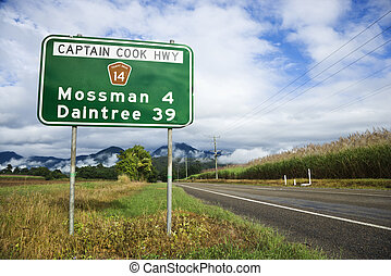 Rural Australia highway - Scenic Captain Cook Highway 14 in...