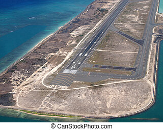 Honolulu International Airport Coral Runway - Honolulu...