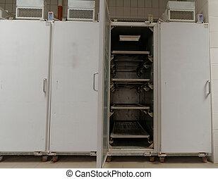 morgue, réfrigérateur