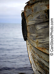 Old boat in Iceland with the horizon in the background