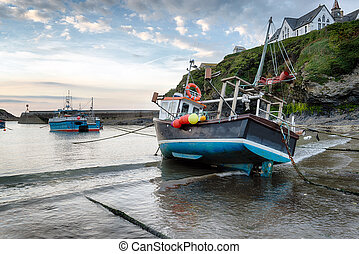 Port Isaac Harbour - Fishing boats in the harbour at Port...
