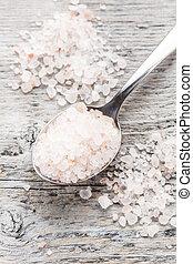 Himalayan pink salt - Spoon full of himalayan pink salt