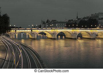 Pont Neuf and Seine, Paris, Ile de France, France