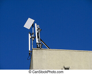 Wireless antenna on roof - Wireless cell phone antenna on...