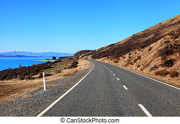 Road near Lake Pukaki - Clear Road near Lake Pukaki,...