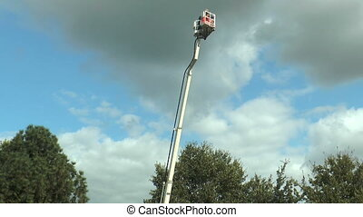 Basket of cherry picker turning - Basket of cherry picker (...