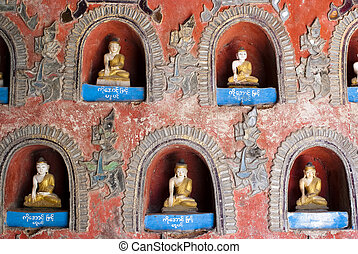 Shwe Yan Phe Pagoda - Buddha images in niches at Shwe Yan...