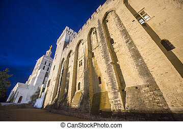 Avignon, Palais des Papes by night - Avignon Vaucluse,...