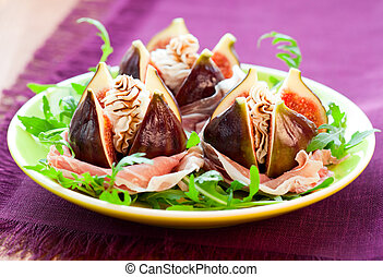 Figs with prosciutto,cheese and balsamic vinegar - salad...