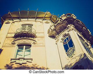 Casa La Fleur, Turin retro look - Casa Fenoglio La Fleur,...