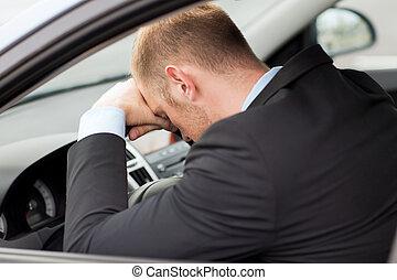 cansado, hombre de negocios, o, taxi, coche, conductor