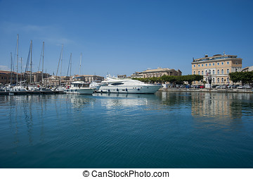 siracusa harbour - boats sail in siracusa harbour, sicily,...