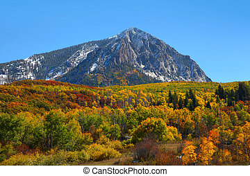 Beckwith mountain - Scenic view of Beckwith mountain at...