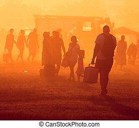 pessoas, viajando, pôr do sol