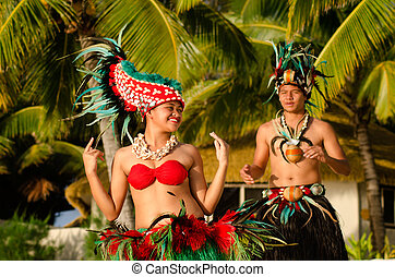 Young Polynesian Pacific Island Tahitian Dancers Couple -...