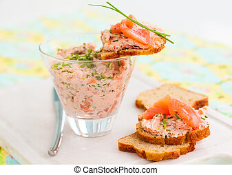 salmon spread - Salmon and soft cheese spread on bread