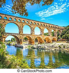 Roman aqueduct Pont du Gard, Unesco site.Languedoc, France....
