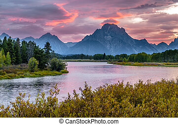 Beautiful Sunset at Grant Tetons - Amazing Sunset over Grand...