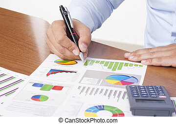Financial data analyzing - Analyzing financial data - stock...