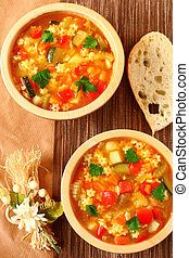 Minestrone soup - Delicious minestrone soup with bread