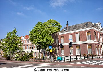 Houses in Den Haag - Houses along Mauritskade street in the...
