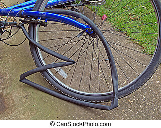 Mending a puncture on a mountain bike. - Punctured inner...