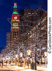 Christmas in Denver - Denver Colorado 16th Street Mall...
