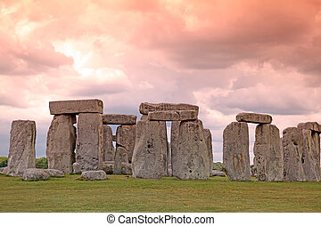 Sundiwn at Stonehenge historic site Stonehenge is a UNESCO...