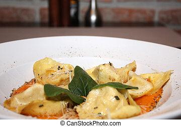 Fresh tortelloni on a plate