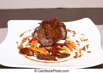 Beef steak with grilled vegetable