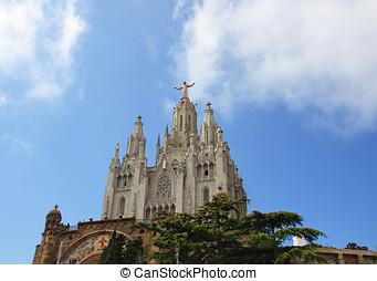 Jesus Christus Statue (by Josep Miret) at Expiatory Church...