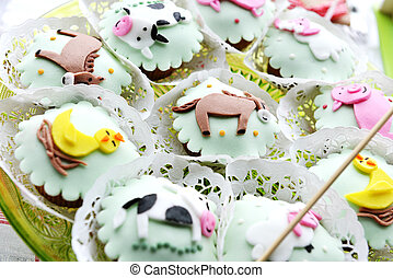 Childrens Cakes decorated with animal figures