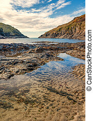 Low tide at Port Quin - View from the beach at Port Quin,...